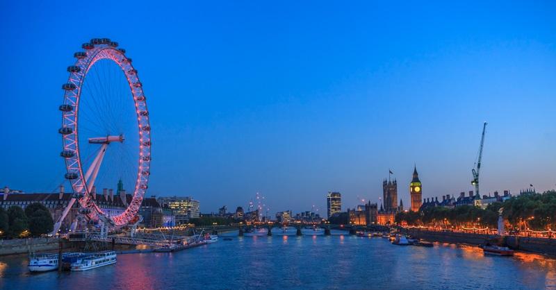 London riverside image at night time