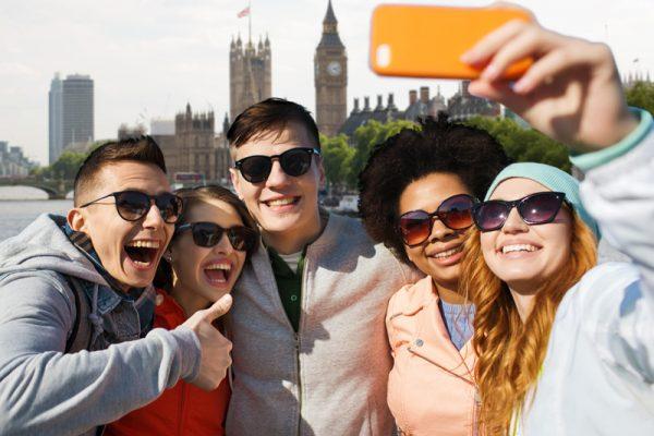 Team smiling on their Go Team London treasure hunt hosted by Orangeworks.
